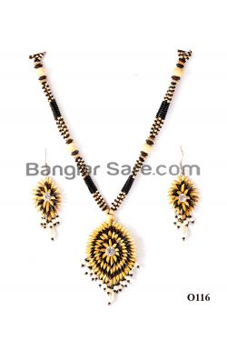 Handicraft Necklace from Paddy
